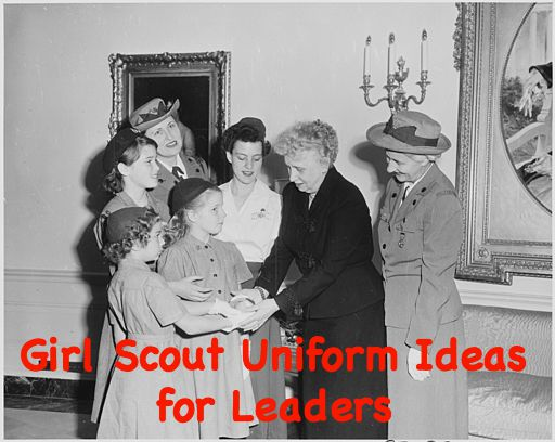 In the past, Girl Scout leaders used to dress in official uniforms. Most modern women do not wear them, but there are some cute ideas that would work for today's modern leader.
